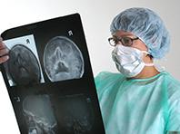 «Умная» игла сделает операции на мозге безопаснее