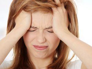Ученые выяснили, почему женщины страдают от мигрени чаще мужчин