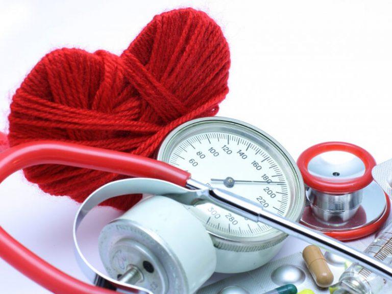 Нарушения артериального давления, а также заболевания кровеносно-сосудистой системы