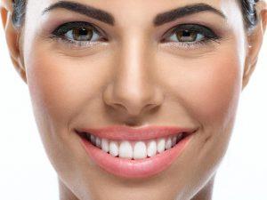 Как правильно ухаживать за зубными имплантами?