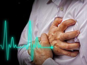 Как распознать инфаркт миокарда и оказать первую помощь