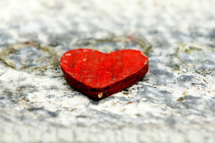 Тюменские кардиологи заменили сердечный клапан без единого разреза