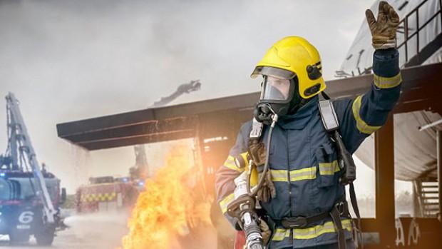 Пожарные чаще страдают от сердечного приступа из-за воздействия высоких температур