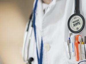 Ученые: даже одна сигарета в день может вызвать инсульт