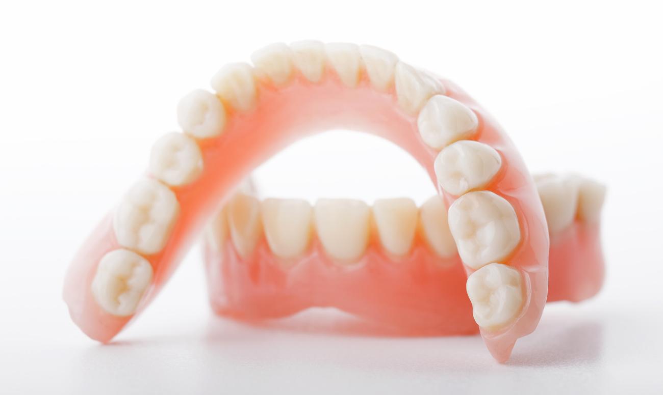 Протезирование зубов. Описание, основные способы