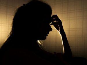 6 «женских» признаков раннего инсульта, которые легко пропустить