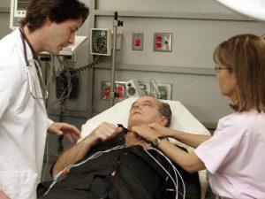Будь героем: как спасти человека от инфаркта или инсульта?