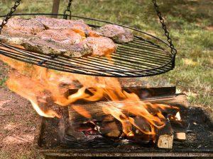 Кардиологи запретили готовить еду на открытом огне