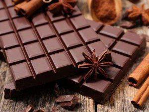 Врачи объяснили, как шоколад влияет на сердце