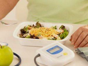 Диетологи подсказали, что нужно есть при высоком давлении