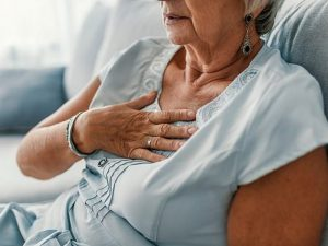 Нездоровый образ жизни вызывает инфаркты у женщин чаще, чем у мужчин