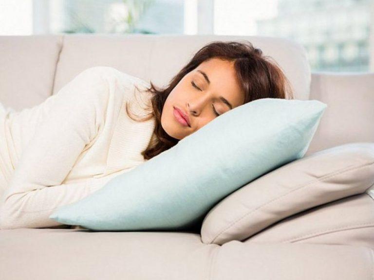 В какой позе нужно спать сердечникам?