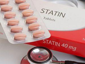 Инфаркты грозят людям, забывающим пить статины каждый день