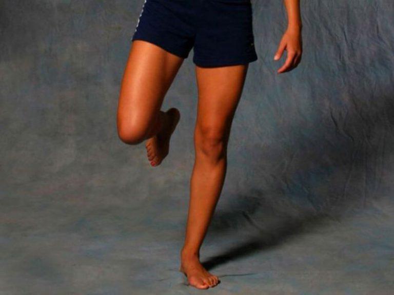 Умение стоять на одной ноге укажет на риск инсульта