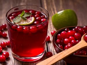 Вишневый сок может помочь при бессоннице, болях и сердечных заболеваниях