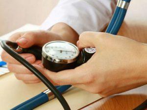 7 простых средств для борьбы с повышенным давлением