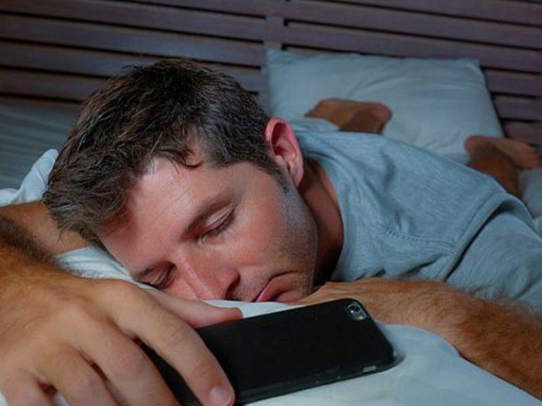 Даже 8-часовой сон может не защитить от старческого слабоумия