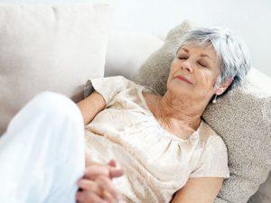 Дневной сон помогает снижать давление пожилым гипертоникам