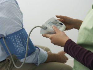 Названы способы снижения давления без лекарств
