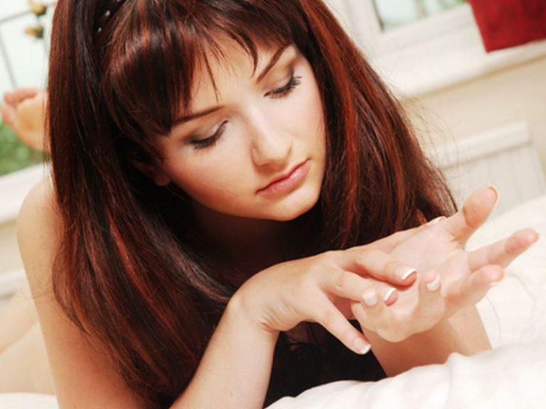 Появление линий под ногтями может быть признаком болезней сердца