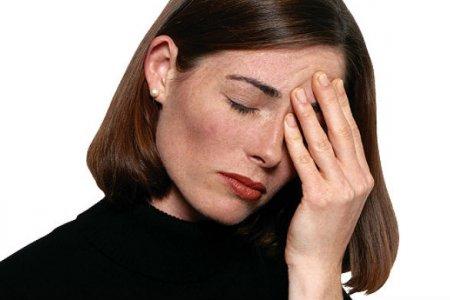 Частые мигрени у женщины могут привести к инсульту – медики