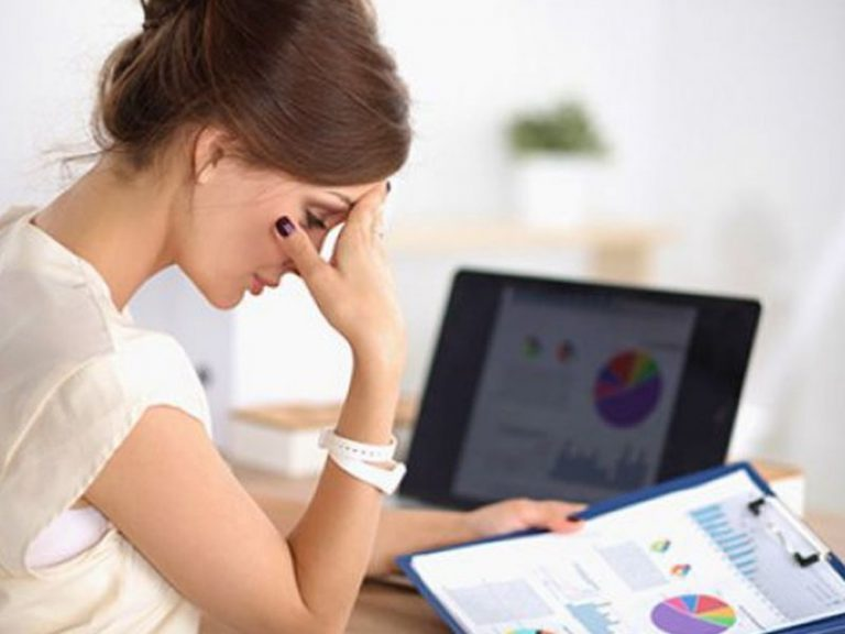 Стресс на работе и плохое качество сна повышают риск ранней смерти у гипертоников
