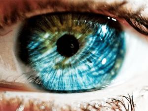 На что влияет цвет глаз и какие лучше линзы применять для замены цвета?
