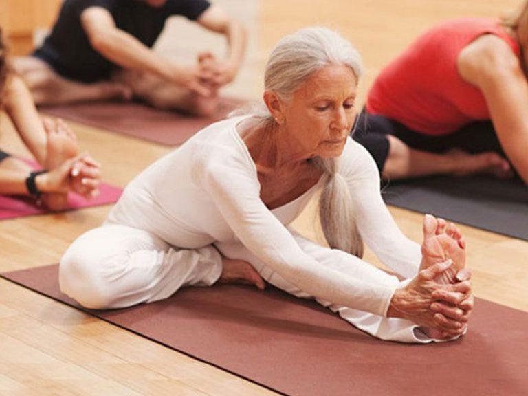 Диабет, гипертония, ожирение: ученые рассказали, при каких болезнях помогает йога