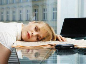 Невролог Михаил Полуэктов: дневная сонливость является признаком усталости организма