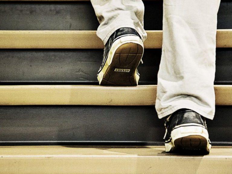 Ходьба пешком по лестнице помогает оценить личный риск инфаркта