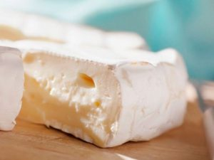 Снижает уровень сахара и защищает сердце. Чем еще может быть полезен сыр?