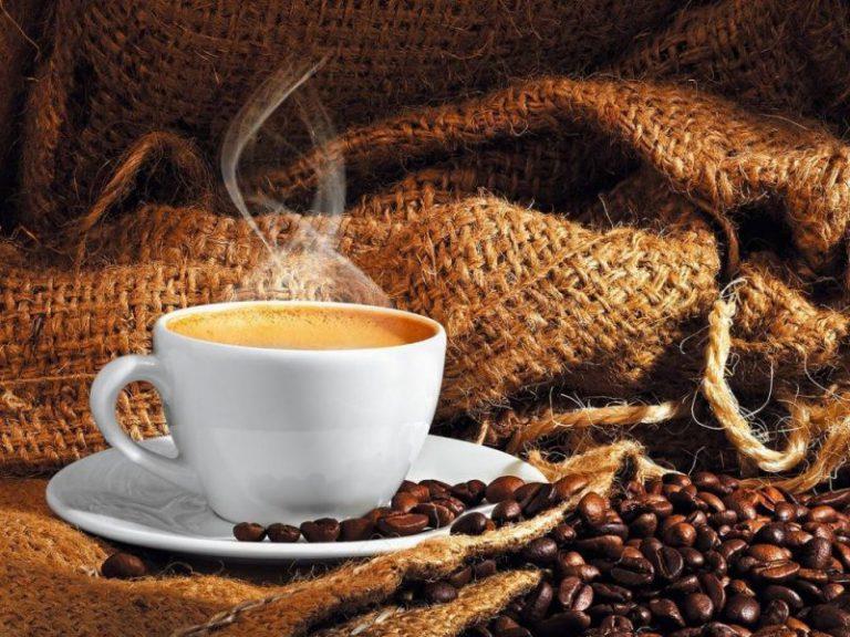 Кофе защищает от сердечно-сосудистых заболеваний, ожирения , головных болей, диабета и деменции