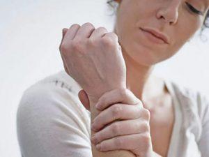 8 признаков сердечного приступа, которые часто пропускаются женщинами