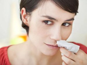 Названы нарушения, на которые указывает кровь из носа