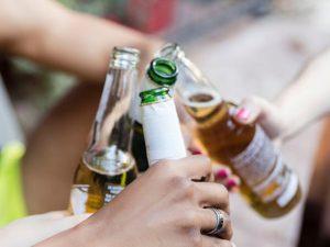 Вечерний бокал вина опасней пьянства