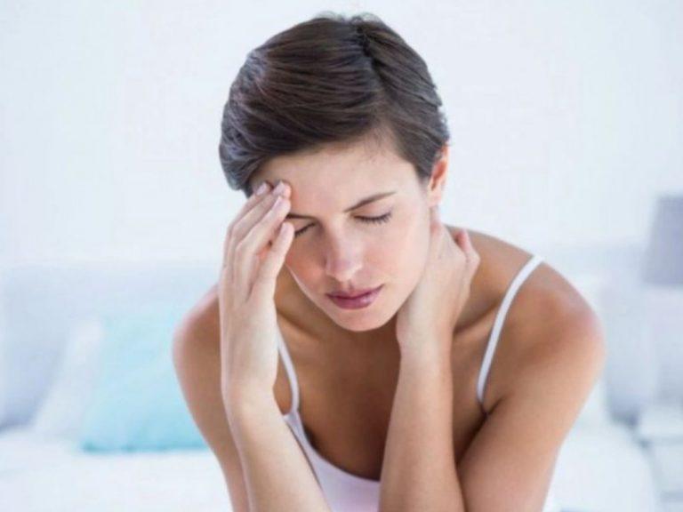 Сердцебиение вместе с головной болью: что это может означать?