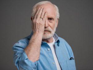 Названы признаки того, что человеку может грозить старческое слабоумие