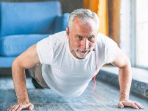 Слабые мышцы у мужчин старше 45 лет связаны с угрозой инсульта или инфаркта
