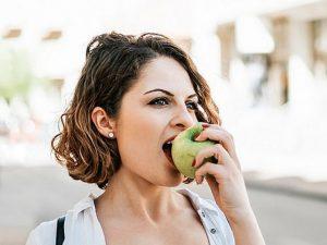 Два яблока в день контролируют холестерин