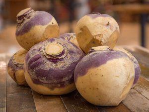 Брюква: улучшает здоровье сердца, снижает вес и еще 2 преимущества корнеплода