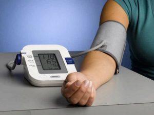 В одно и то же время. Как правильно измерять артериальное давление?