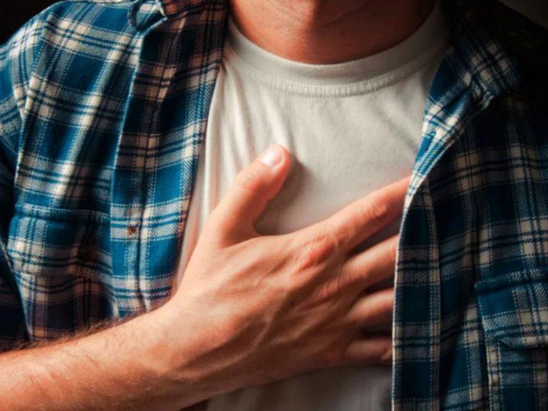 Профессор кардиологии Дэвид Ньюби назвал симптомы, предвещающие сердечный приступ