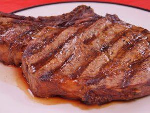 Кардиологи доказали опасность активного потребления белка