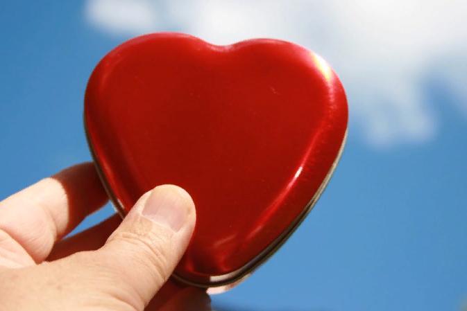 Названы неожиданные симптомы серьезных заболеваний сердца