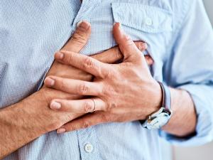 Медики назвали причины учащенного сердцебиения