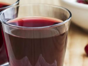 Сок на завтрак, который препятствует развитию смертельной гипертонии
