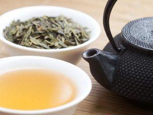 Врач Соломатина объяснила, как чай может навредить сердцу и печени