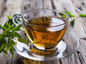 Медик объяснила, почему чай становится вредным для сердца и печени