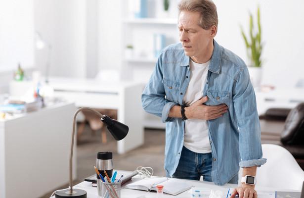 Назван внешний симптом, говорящий о скором инфаркте