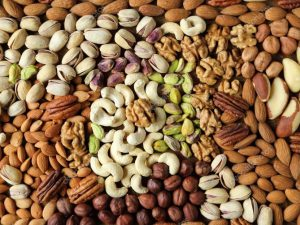 Орехи — спасение от сердечно-сосудистых недугов